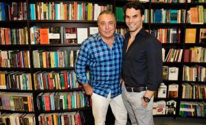 "Sig Bergamin autografa seu livro ""Sig Style"" no JK Iguatemi"