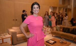 Gigi Neves arma degustação de vinho rosé só para mulheres