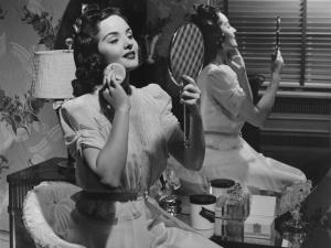 Como eram as dicas de beleza há 100 anos? Glamurama revela!