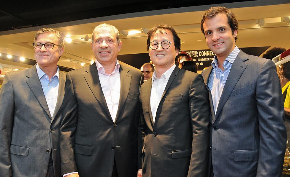d5cd25bdf1a Forever 21 inaugura flagship em São Paulo. Vem ver! – Fotos – Glamurama