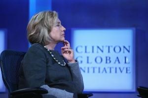Bilionário corta doação para instituição dos Clinton e gera especulação