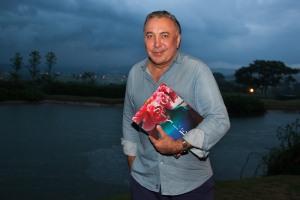 Sig Bergamin lança seu livro nesta quarta na NK Store do Rio