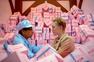 """Loja dos EUA recria caixas de doce de """"O Grande Hotel Budapeste"""""""