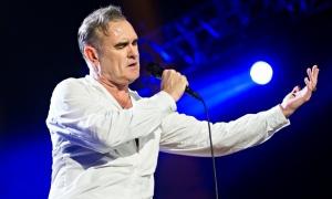 Morrissey rejeita convite de canal de TV para duelo com a rainha
