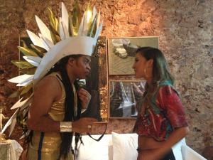 Claudia Leitte e Carlinhos Brown tricotam no Sarau du Brown