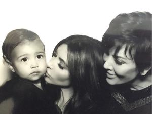 Três gerações: Kim Kardashian divide cliques de North em clima de festa