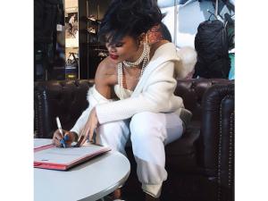 Rihanna não para! Agora ela é a nova diretora criativa da Puma