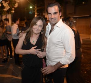 Maria Clara Bordon e Alexandre Furmanovich juntinhos, juntinhos