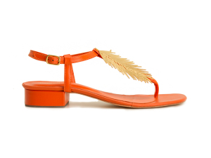 Desejo do Dia: pós-praia perfeito na sandália Osklen criada pela dupla Bianca Brandolini e Alexia Niedzielski