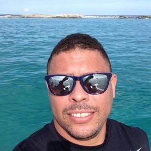 Ronaldo já está no Brasil, e pronto para curtir o verão no Rio