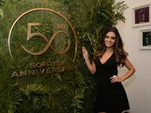 O que Giovanna Lancellotti mais gosta no Sofitel Copacabana? A varanda!