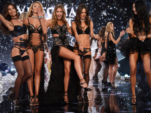 Os números grandiosos por trás do Victoria's Secret Fashion Show. Vem!