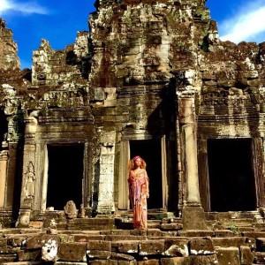 Beyoncé visita monges, ruínas e natureza no Camboja. Aos cliques