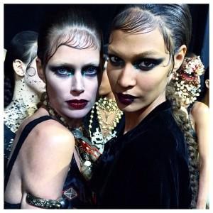 O novo gótico da Givenchy por Riccardo Tisci, direto de Paris