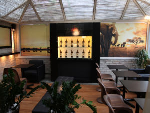NOH Bar oferece drinks de Amarula criados por expert. Cheers!