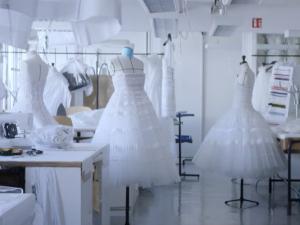 Dica de Consuelo Blocker, o making of de um vestido de alta-costura Dior. Play!