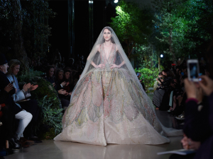 Show de couture: os desfiles rococó e fora da curva de Elie Saab e Jean Paul Gaultier