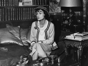 Faz 44 anos que Coco Chanel morreu. Relembre sua carreira