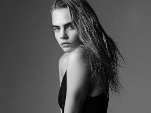 """Cara Delevingne tem um novo trabalho na revista """"LOVE"""" – e não é como modelo!"""