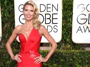 Heidi Klum mostra seu rosto sem make depois de noite de gala
