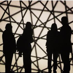 A família Derani está em tour artsy por Paris. Vem também!