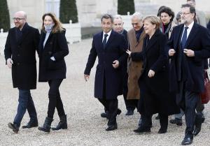 Sarkozy causa saia justa ao cerimonial francês em marcha contra terrorismo