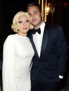 Lady Gaga e Taylor Kinney vão se casar! E o vestido?