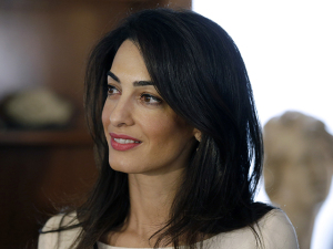 Amal Clooney confessa que quase foi presa no Egito. Entenda!
