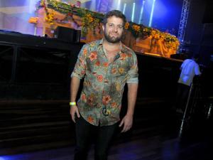 André Barros, RP fervido do Rio, entrega os programas quentes deste verão