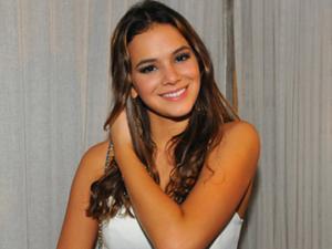 Bruna Marquezine curte Réveillon em Jurerê com direito a superstição