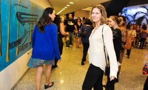 Maria Bethânia encena grandes mestres no palco, vem ver!