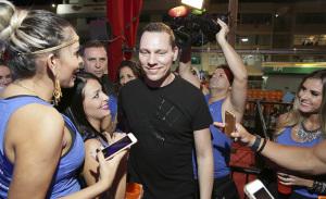 Tiesto, MC Leozinho e uma turma das boas curtem o sábado no Camarote Salvador