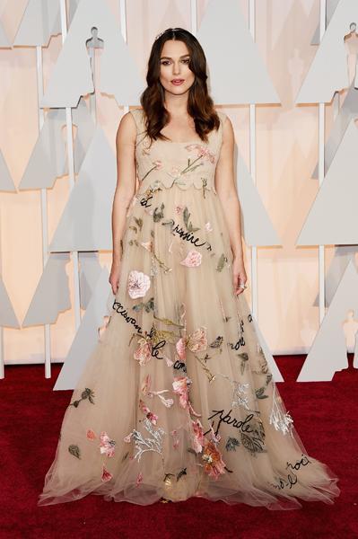 Keira Knightley usando Valentino