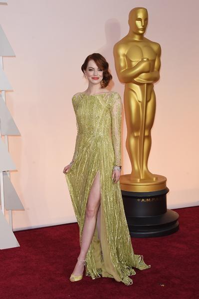 Emma Stone usando Elie Saab