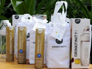 Convidados da Casa Glamurama Rio se hidratam com Drinkfinity