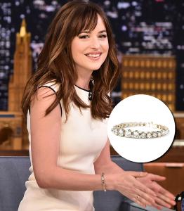 "Dakota Johnson, de ""50 Tons de Cinza"" usa joias de Ara Vartanian. Vem ver!"