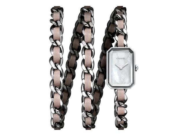 26f82699edd Desejo do Dia  amarre-se no relógio première rock da Chanel – Glamurama