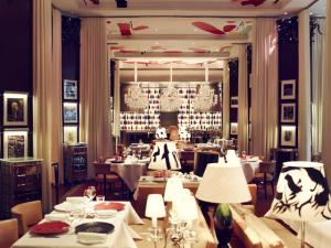 Le Royal Monceau, em Paris, ganha título de melhor hotel da França