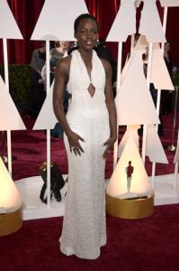 Bomba! Vestido que Lupita Nyong'o usou no Oscar foi roubado