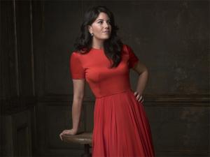 Monica Lewinsky vai em festa pós-Oscar e leva a pior nas redes sociais