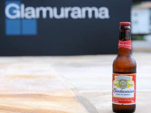 Budweiser geladinha mais uma vez na Casa Glamurama Rio