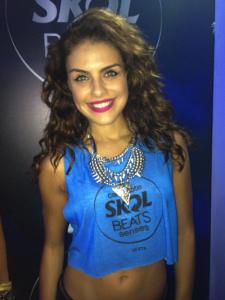 Paloma Bernardi teve aula particular de samba para desfilar no Carnaval