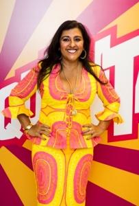 Regina Casé ganha festa surpresa durante gravação do Esquenta