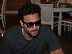 Rico Mansur entrega as mais tocadas do Cafe de La Musique Jurerê