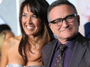 Viúva de Robin Williams briga com os filhos dele por herança