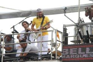 Bell Marques passa pelo Barra-Ondina e faz dueto com os filhos