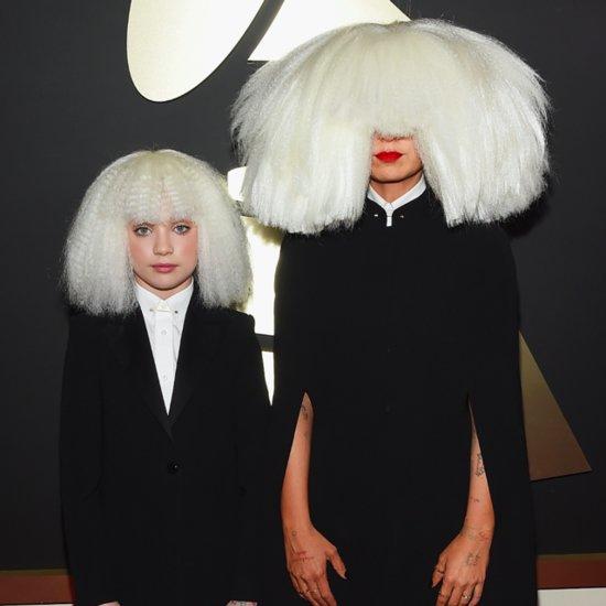 Sia com sua dançarina e as perucas bizarras    Crédito: Getty Images