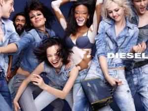A divertida campanha de verão da Diesel pelas mãos de Nick Knight