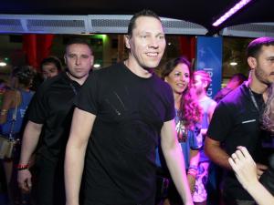 DJ Tiesto, estrela da música eletrônica, dá pivô no Camarote Salvador