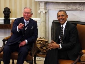 Barack Obama dá o braço a torcer ao charme da monarquia inglesa